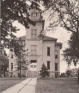 D9206 IA, Ida Grove Court House Photo Postcard