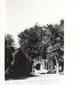 D9216 IA, Toledo Court House Photo Postcard