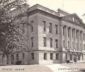 D9224 IA, Jefferson Court House Photo Postcard