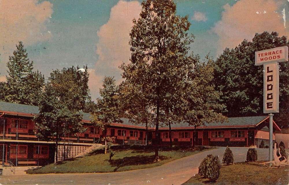 Paris Tennessee Terrace Woods Lodge Street View Vintage Postcard K62795    Mary L. Martin Ltd. Postcards