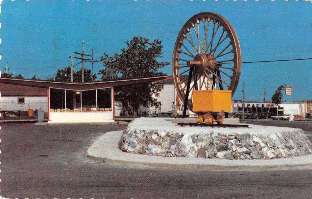 Val d or quebec canada le bureau toristique vintage postcard